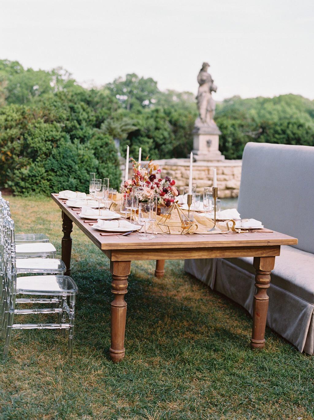 Mauve, rust, and burgundy color palette for an Indian wedding at Cheekwood Botanical Gardens. Nashville Wedding Florist.