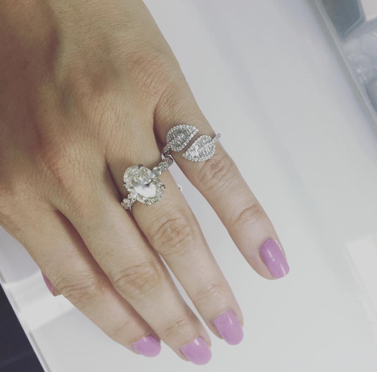 oval-diamond-leaf-baguette-diamond-ring.jpg
