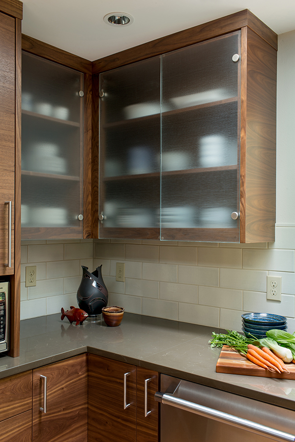 Broadleaf-contemporary-update-glass-cabinets.jpg