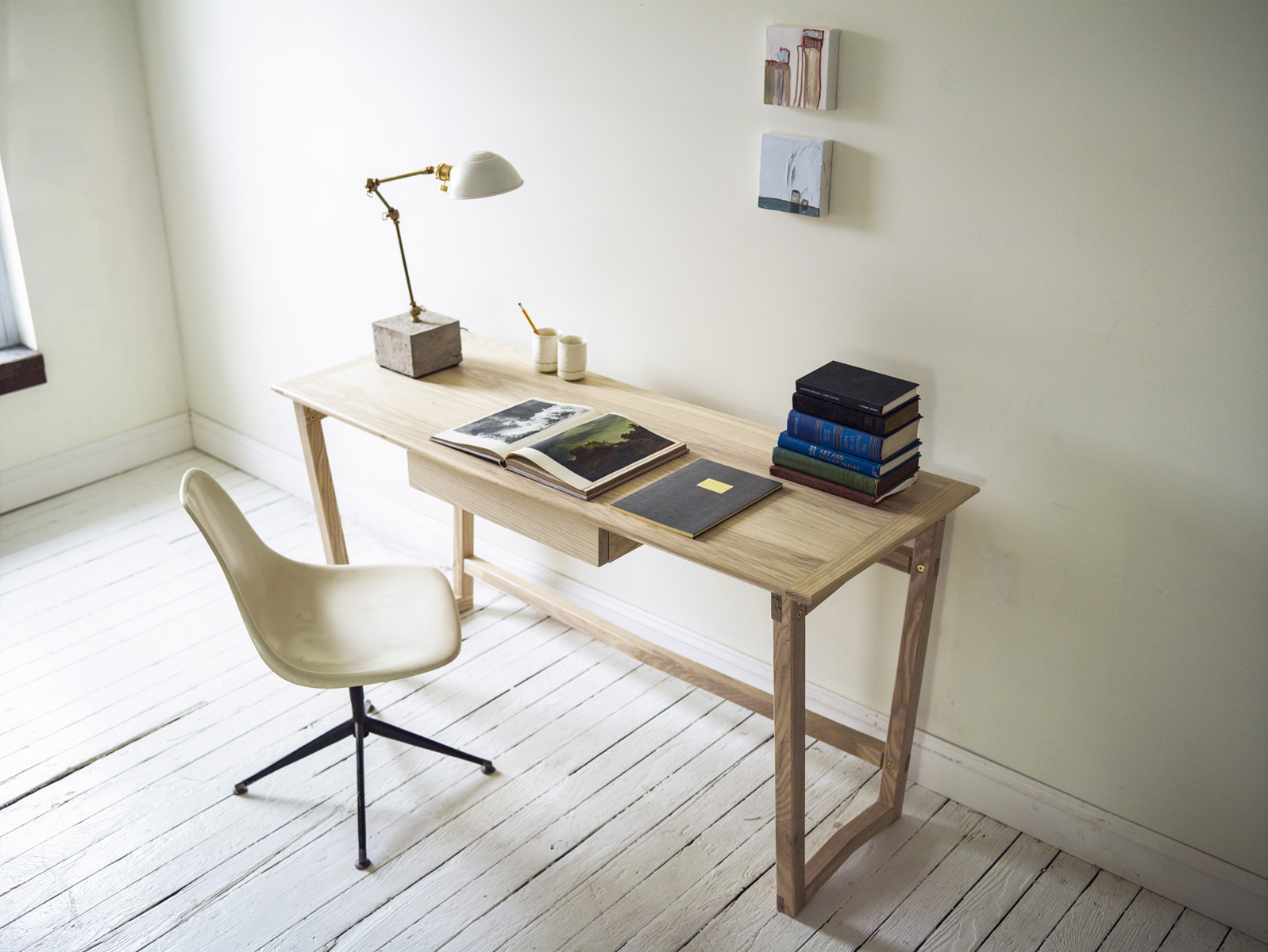 minimalist_office