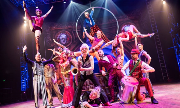 Circus Oz ensemble. Photo by Rob Blackburn.