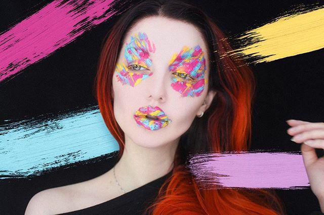 A mess, but make it artistic.  @makeupforeverofficial flash palette and a makeup spatula  #makeup #makeupforever #flashpalette