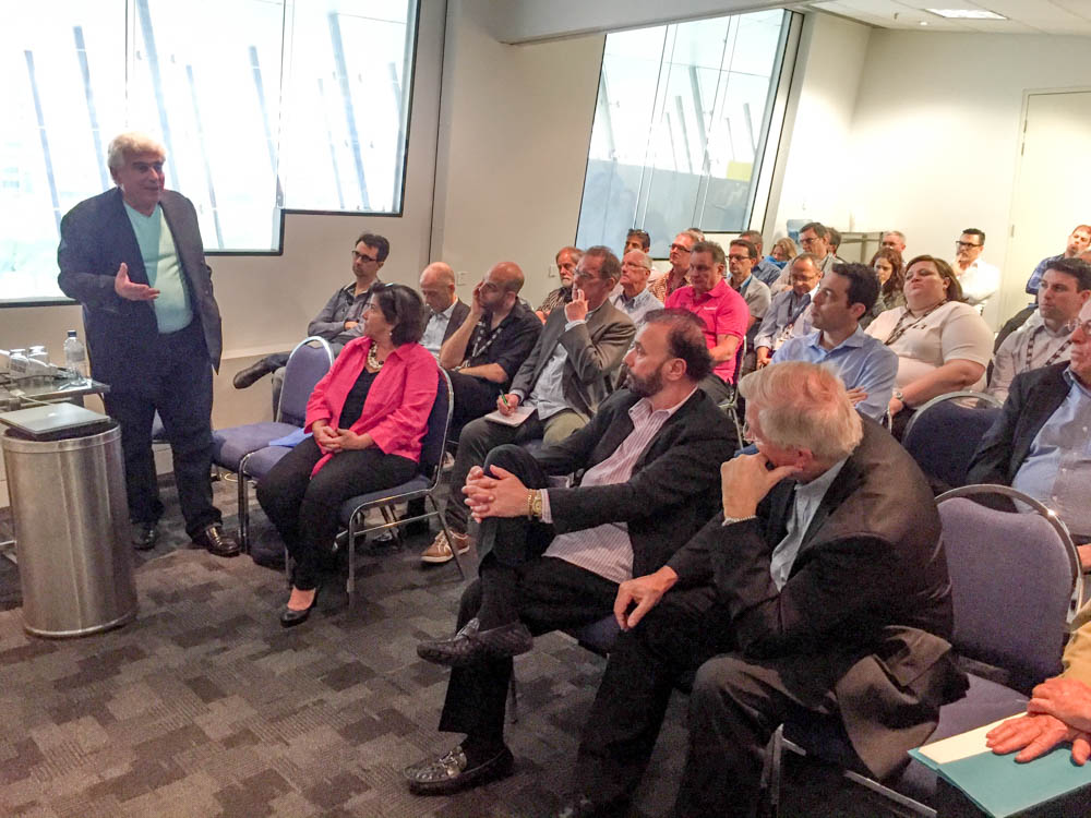 Scott-Brownstein-presenting-at-the-PMA-Australia-meeting.jpg