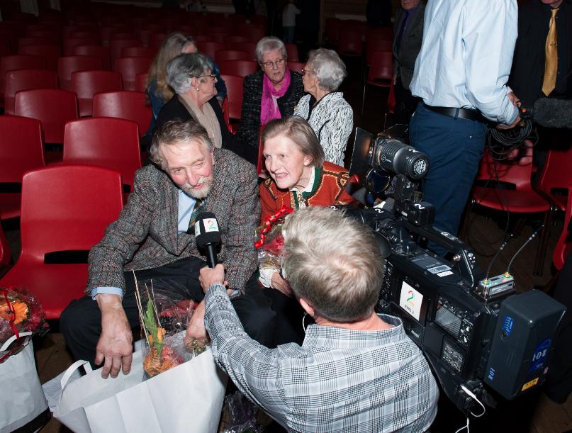 SØSKEN TIL EVIG TID_ Magnar og Oddny intervjues av TV2.  Last ned Bilde