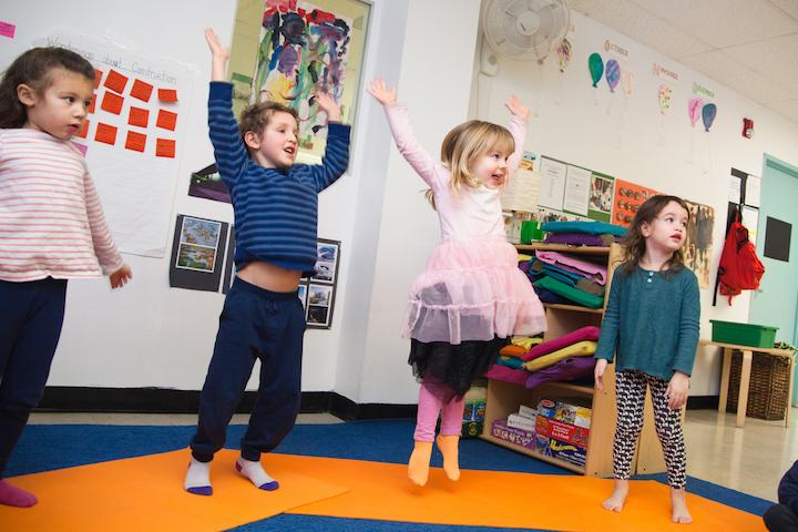 kids-yoga-jumping-dalcroze