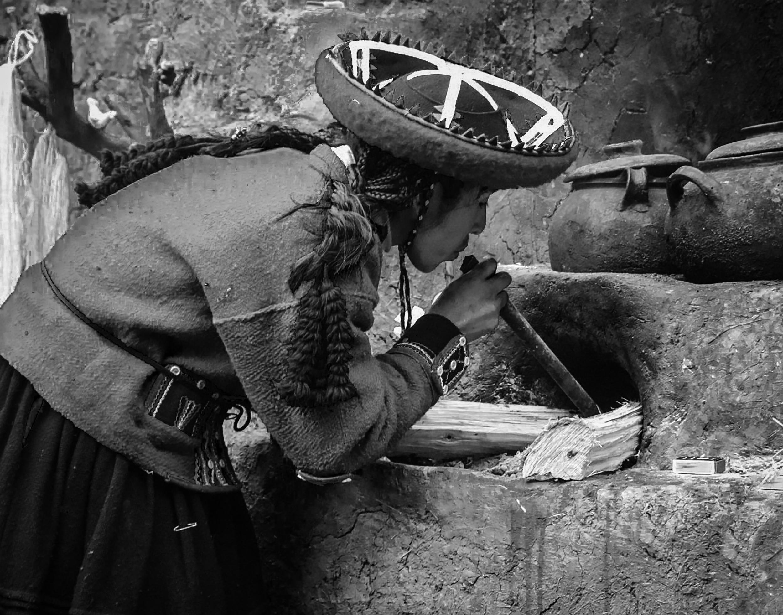 Making Traditional Dyes - Chinchero, Peru