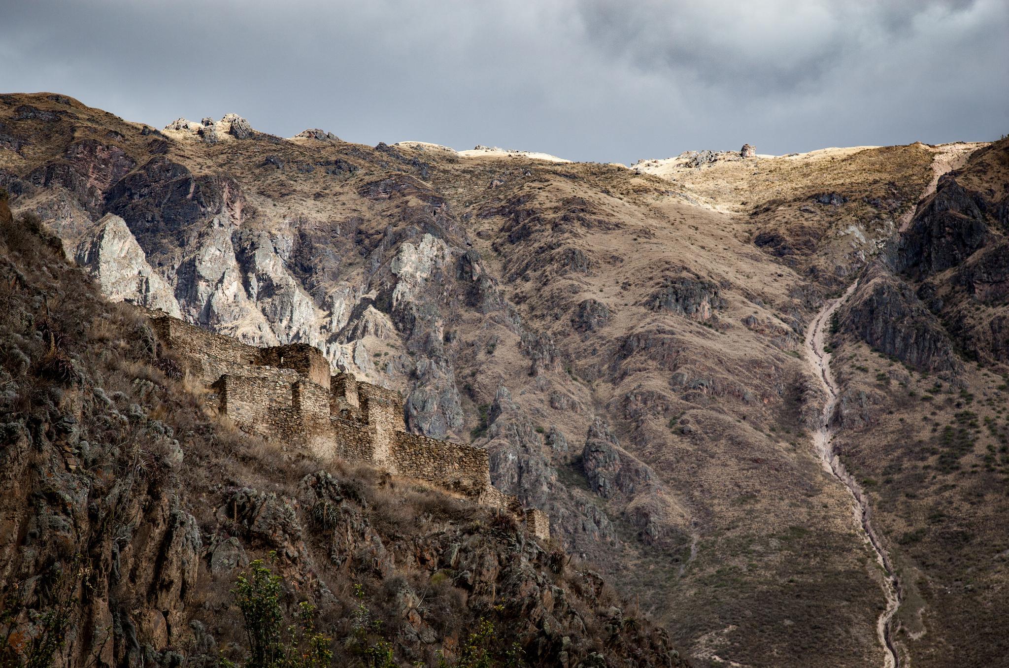 Ruins on Pinkuylluna