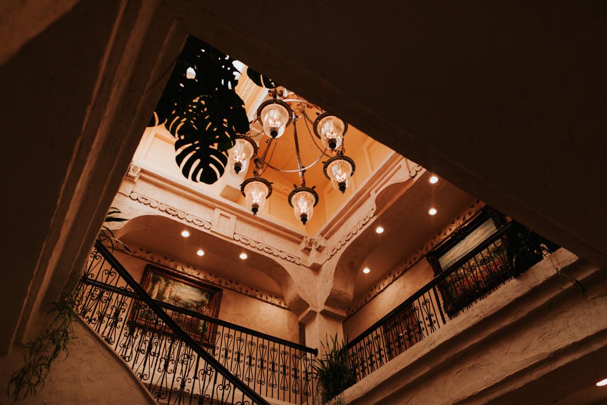 Villa Antonio Wedding, Chandelier