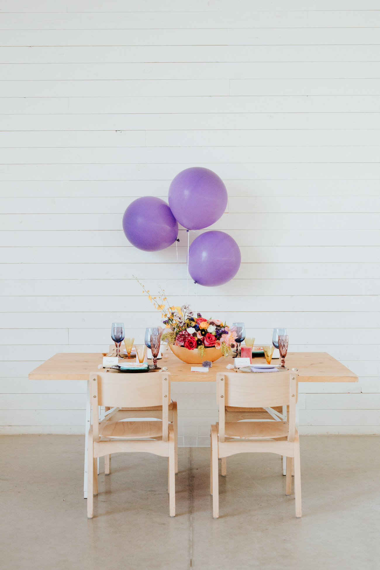 Table with purple balloons at Prospect House
