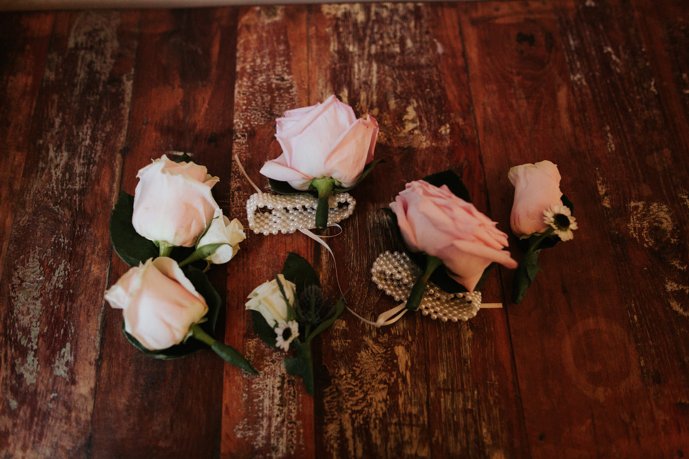 Chapel Dulcinea vow renewal with roses