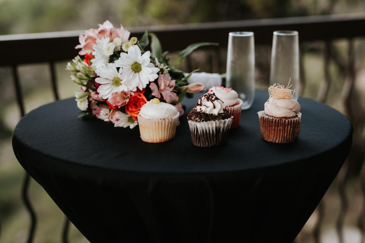 Cupcakes at Chapel Dulcinea wedding