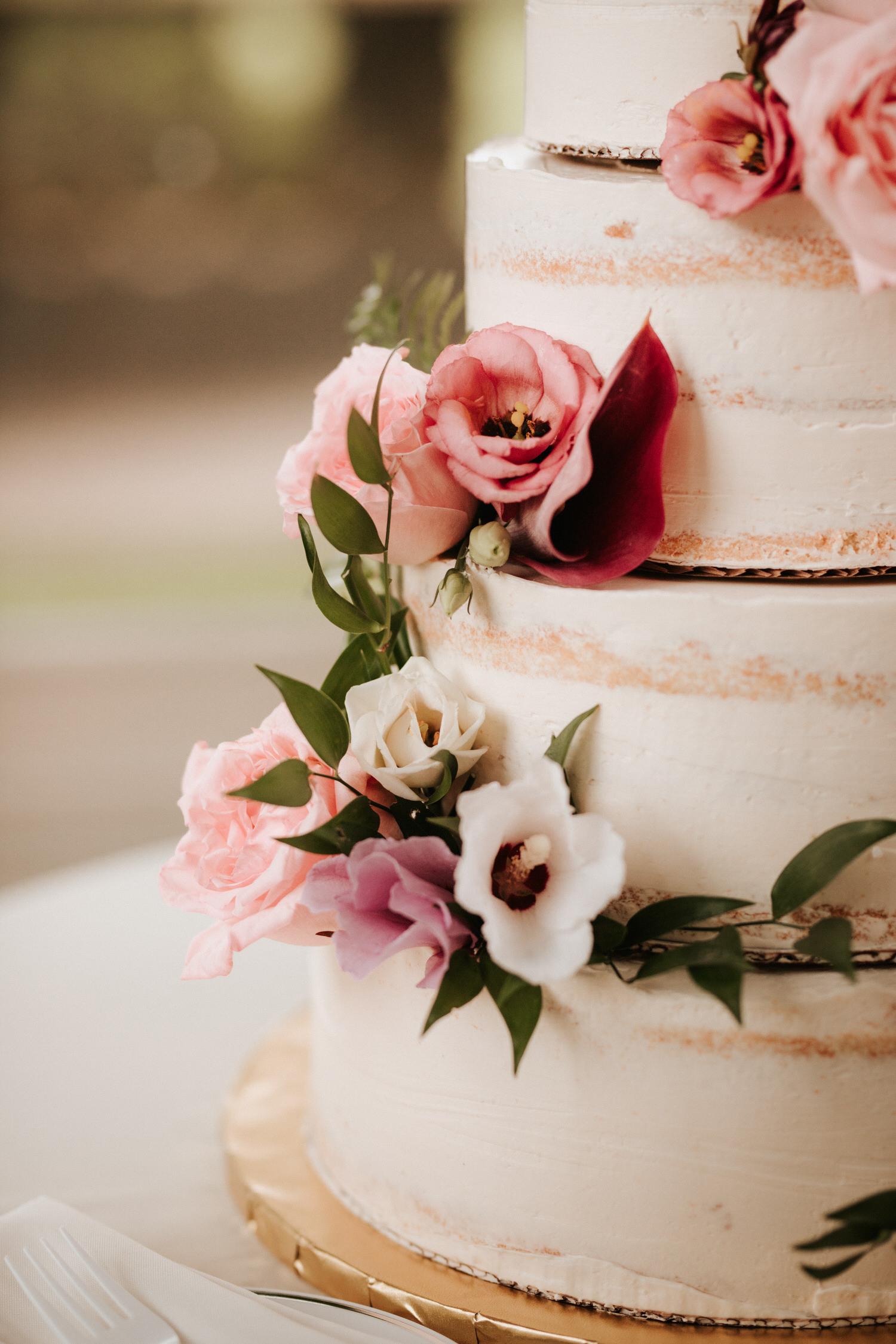 Eolia Mansion glamour wedding reception cake