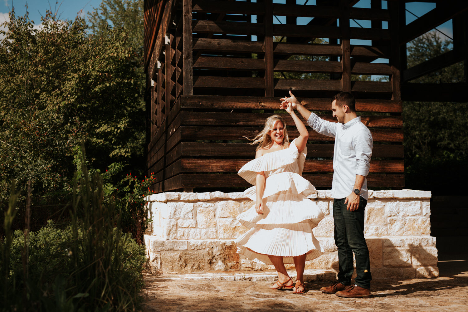Engaged couple at Lady Bird Johnson Wildflower Center
