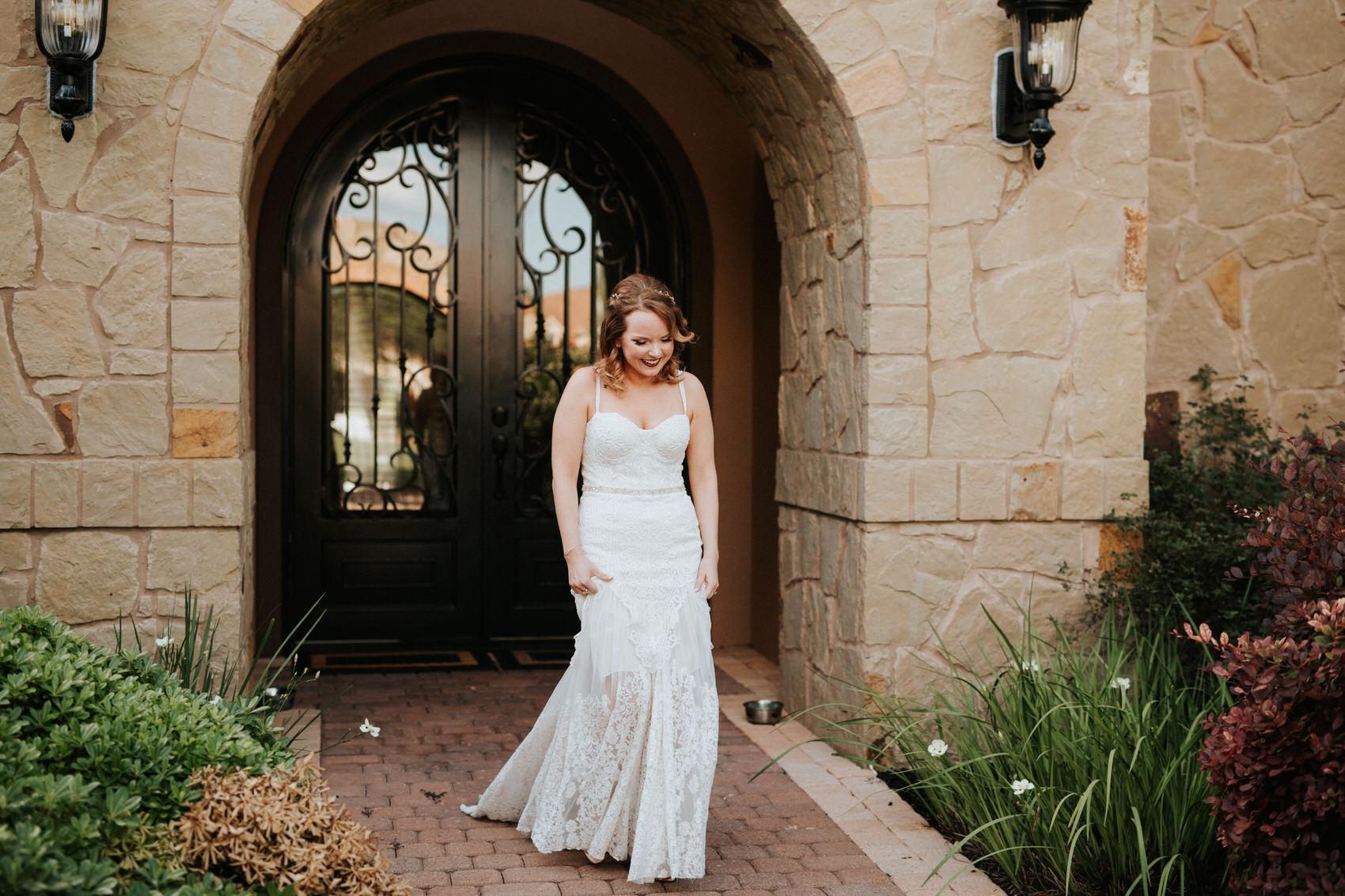 Austin luxury backyard wedding getting ready photos