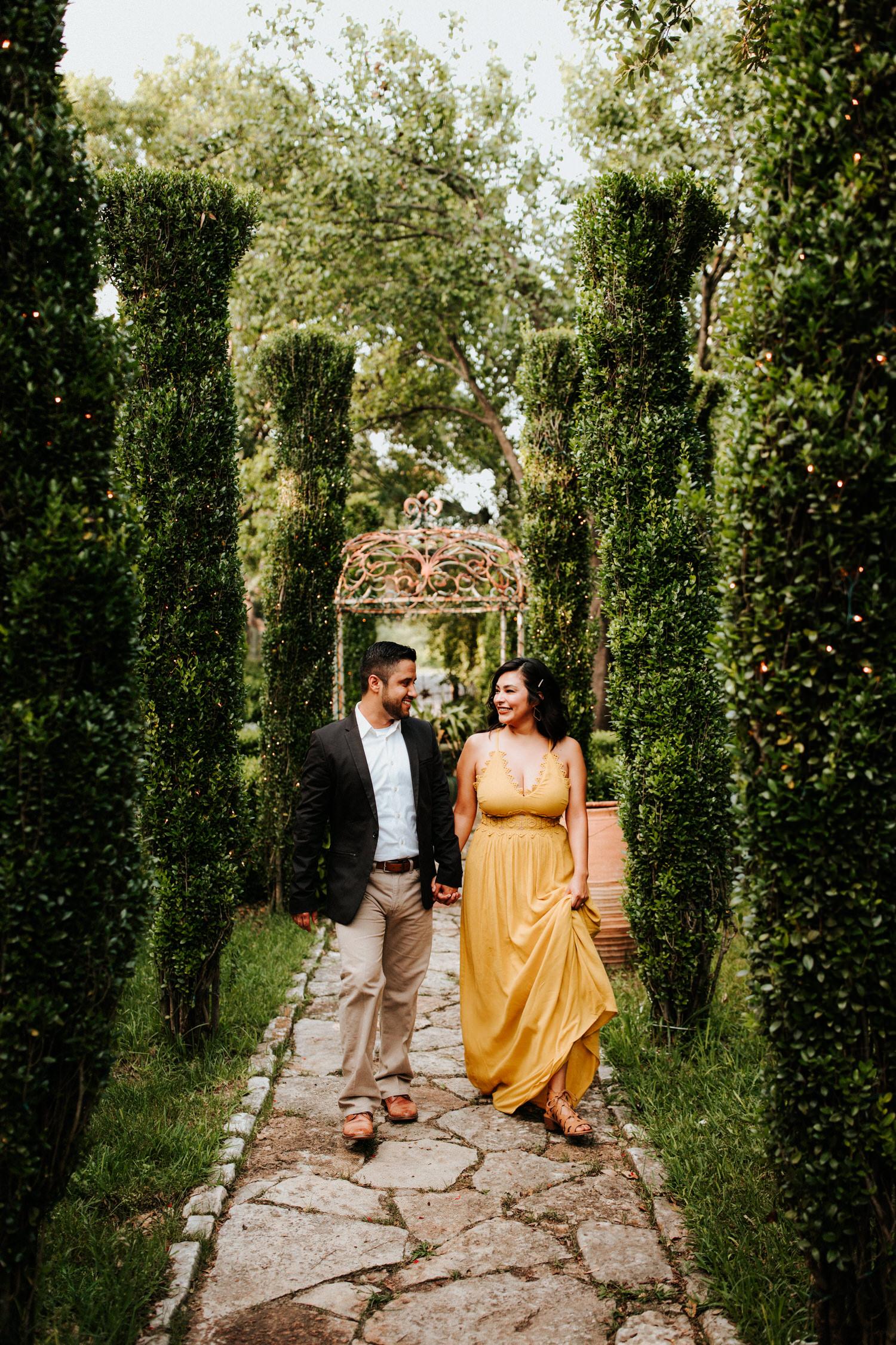 Jennifer's Gardens Engagement Session