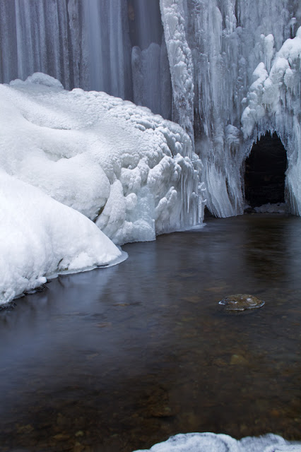 Winter Ice Cave - Osceola, WI    Canon 5D Mark II + Zeiss ZE 35mm f2.0 @ f22