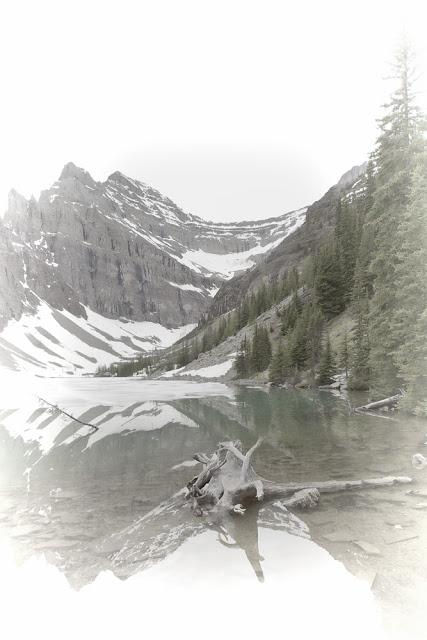 LakeAgnesMilk_MG_2449.jpg
