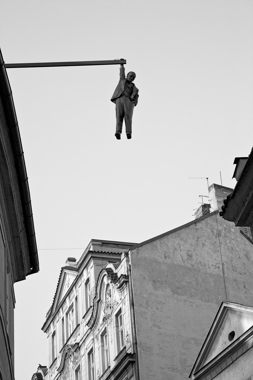 Hanging-around1767.jpg