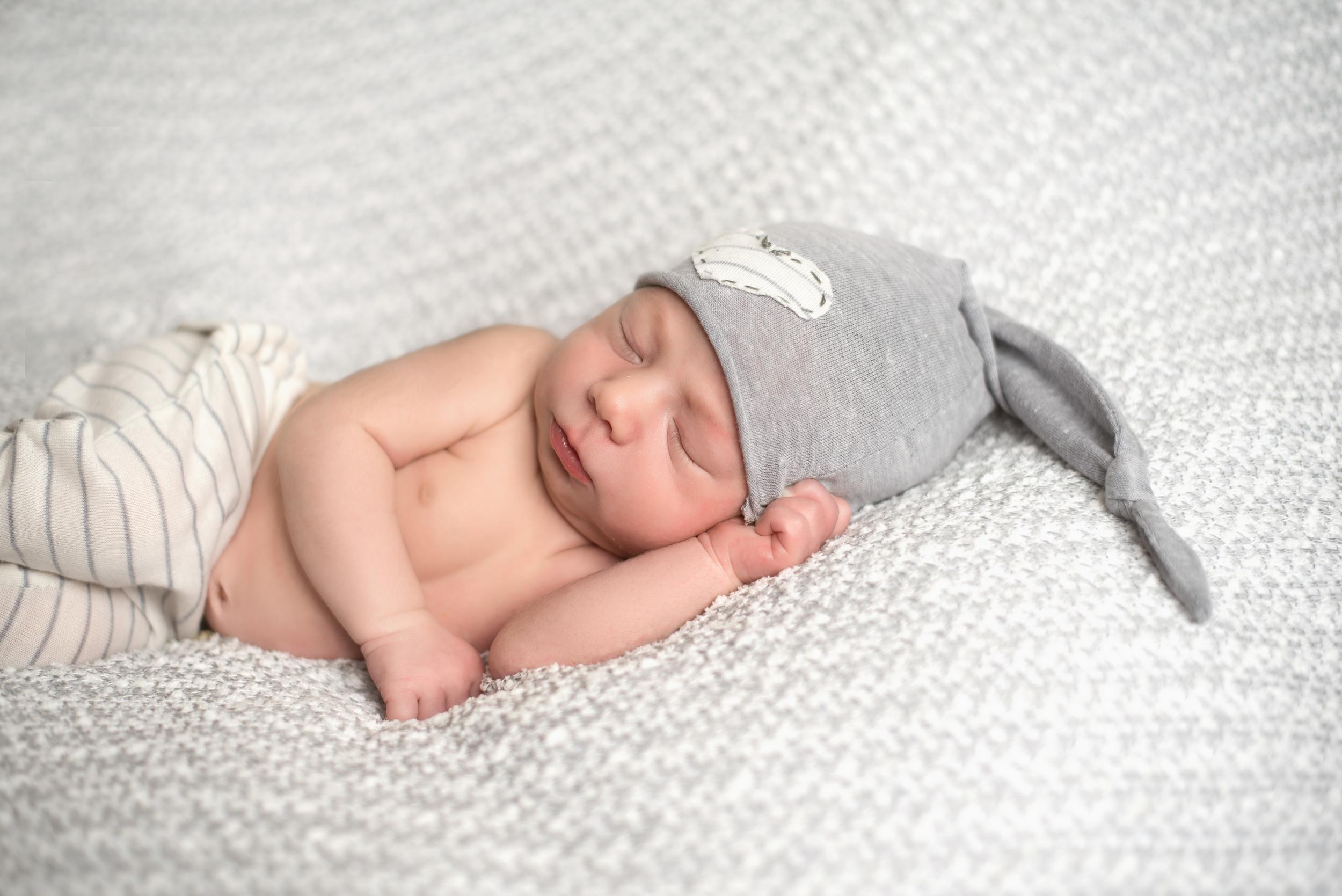 newborn-photography-southwest-ks-29.jpg