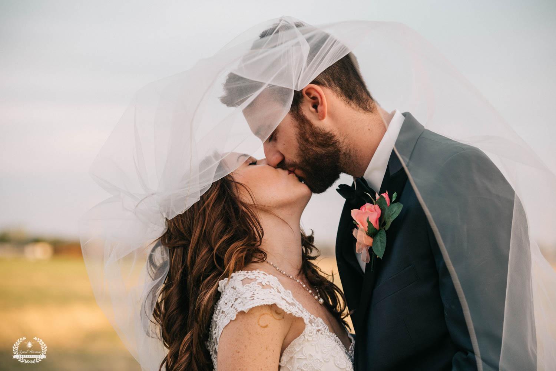 wedding-photography-southwest-kansas14.jpg