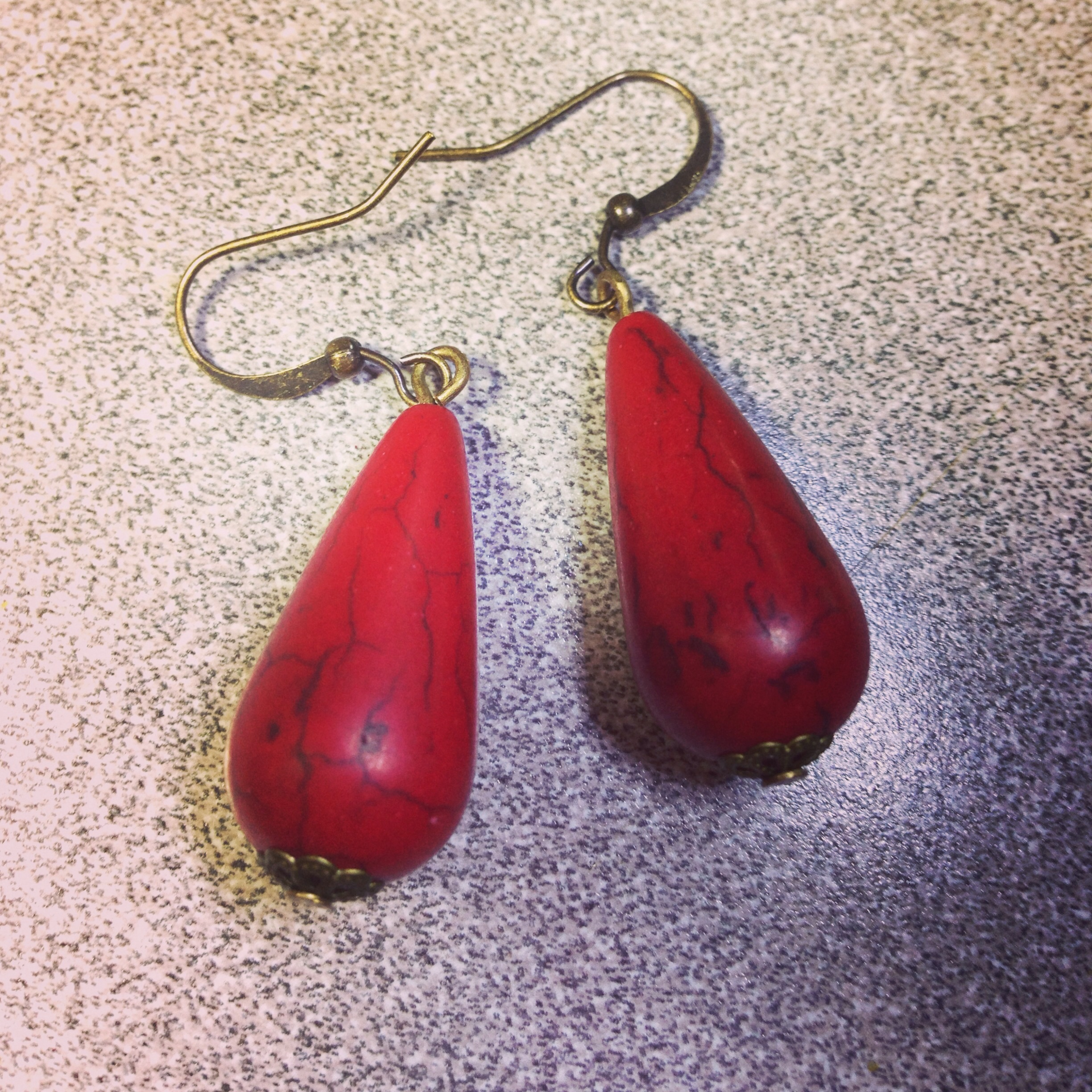 red Howelite earring, Favor's gift with purchase!