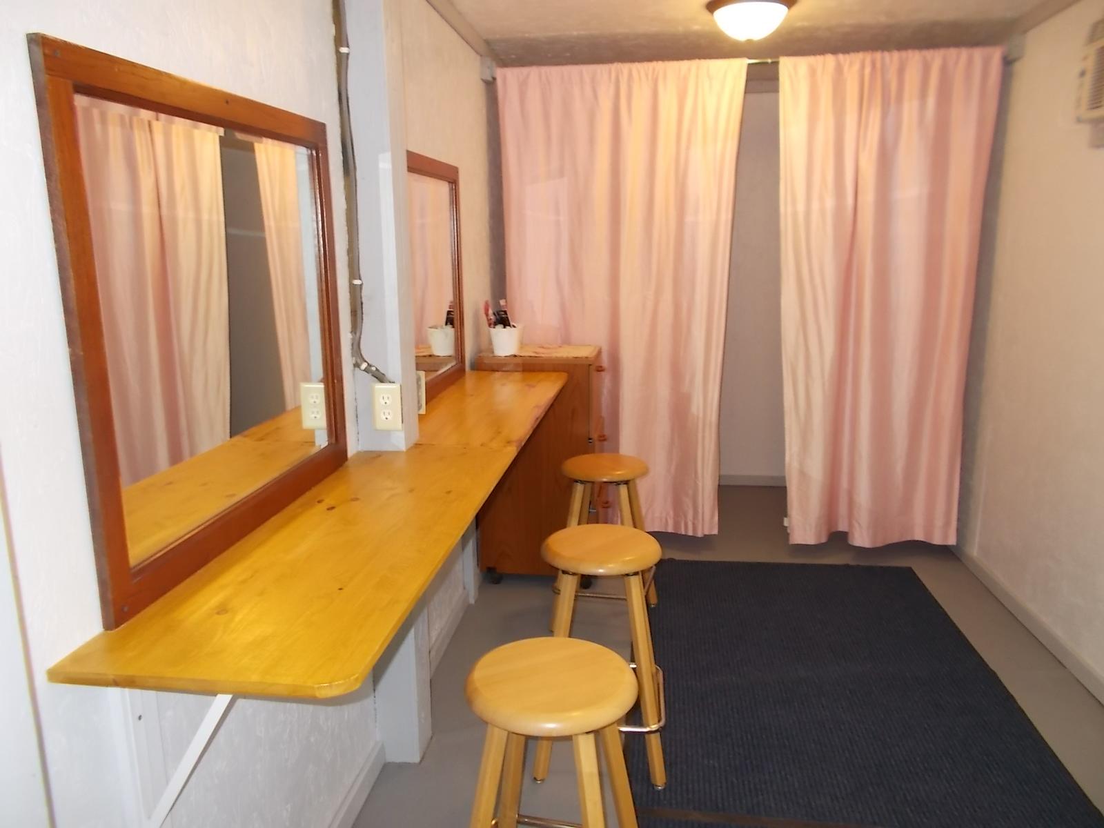 bride room 002.JPG