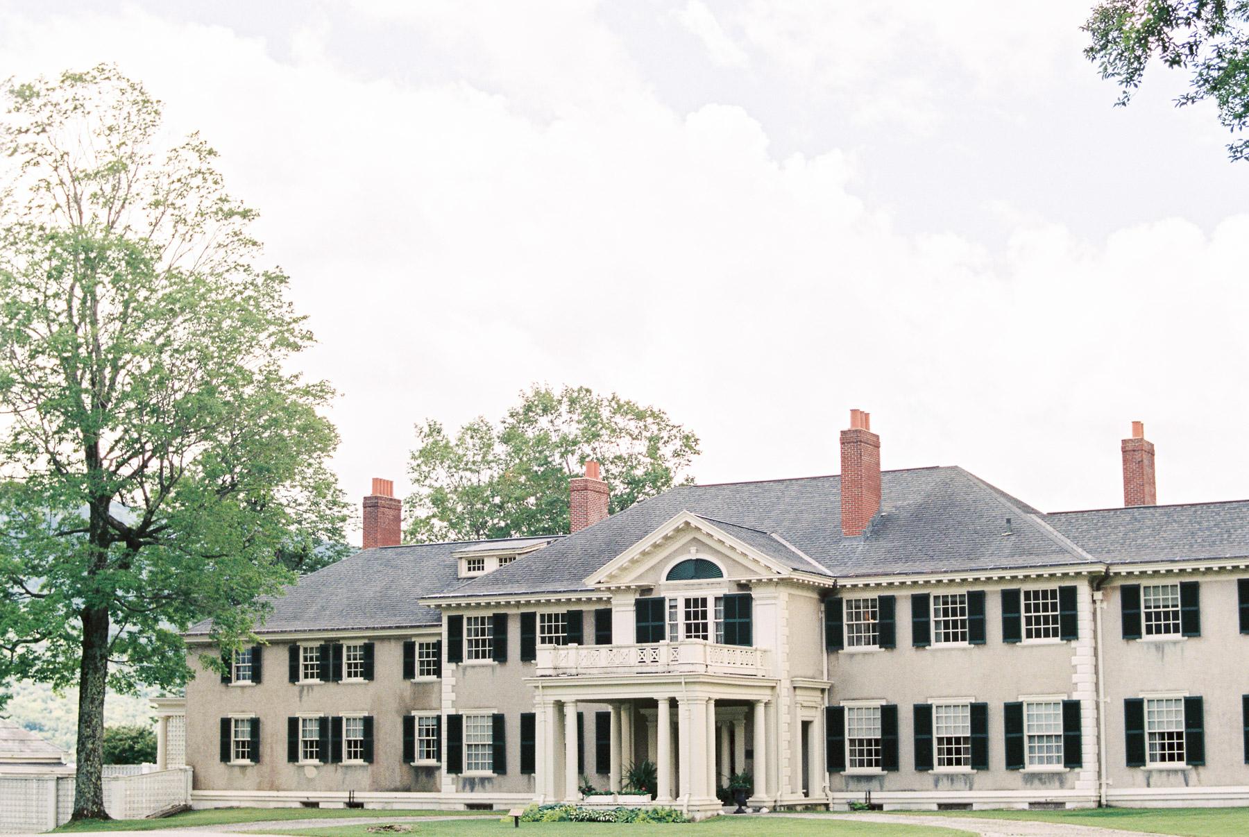 Manchester Vermont Wedding Hildene Estate Front of Building