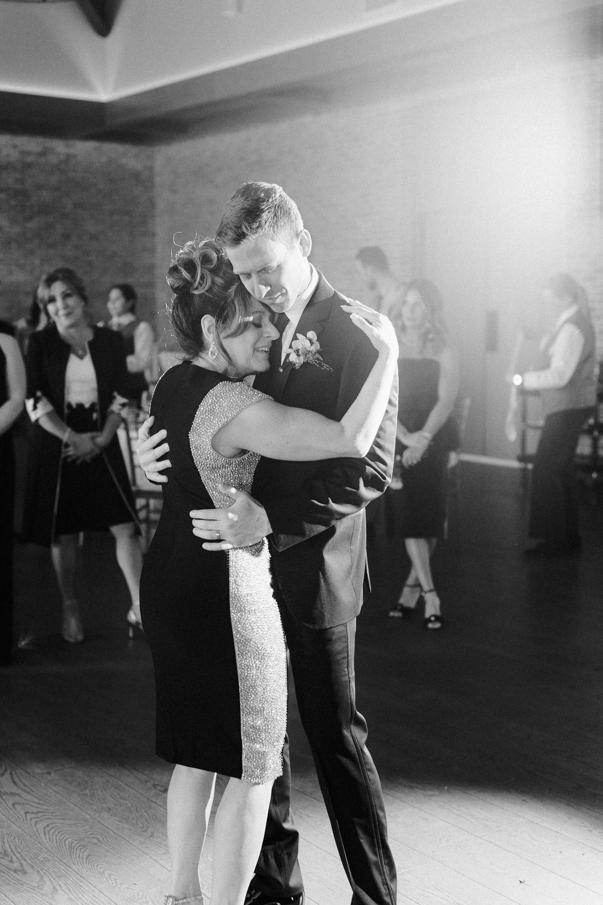 Natirar Mansion Wedding by Michelle Lange Photographer-66.jpg