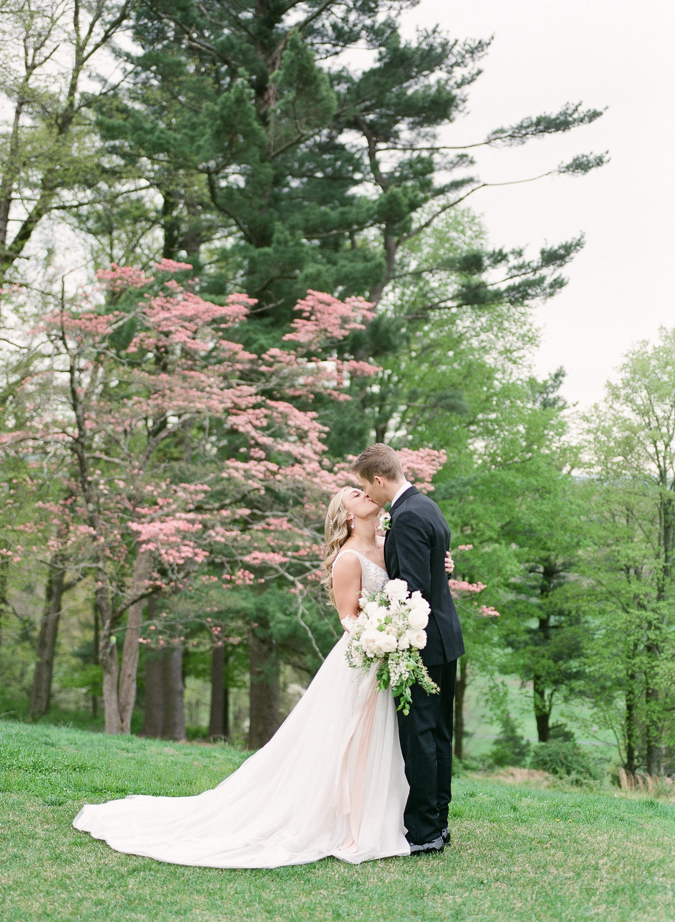 Natirar Mansion Spring Wedding in NJ