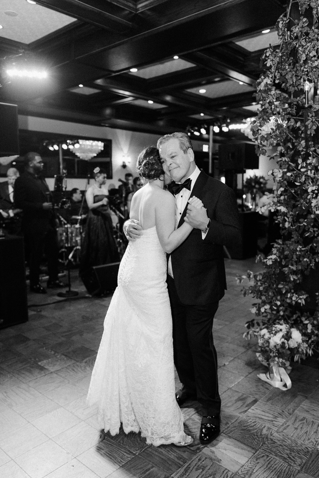 Bahr Wedding by Michelle Lange Photography-76.jpg