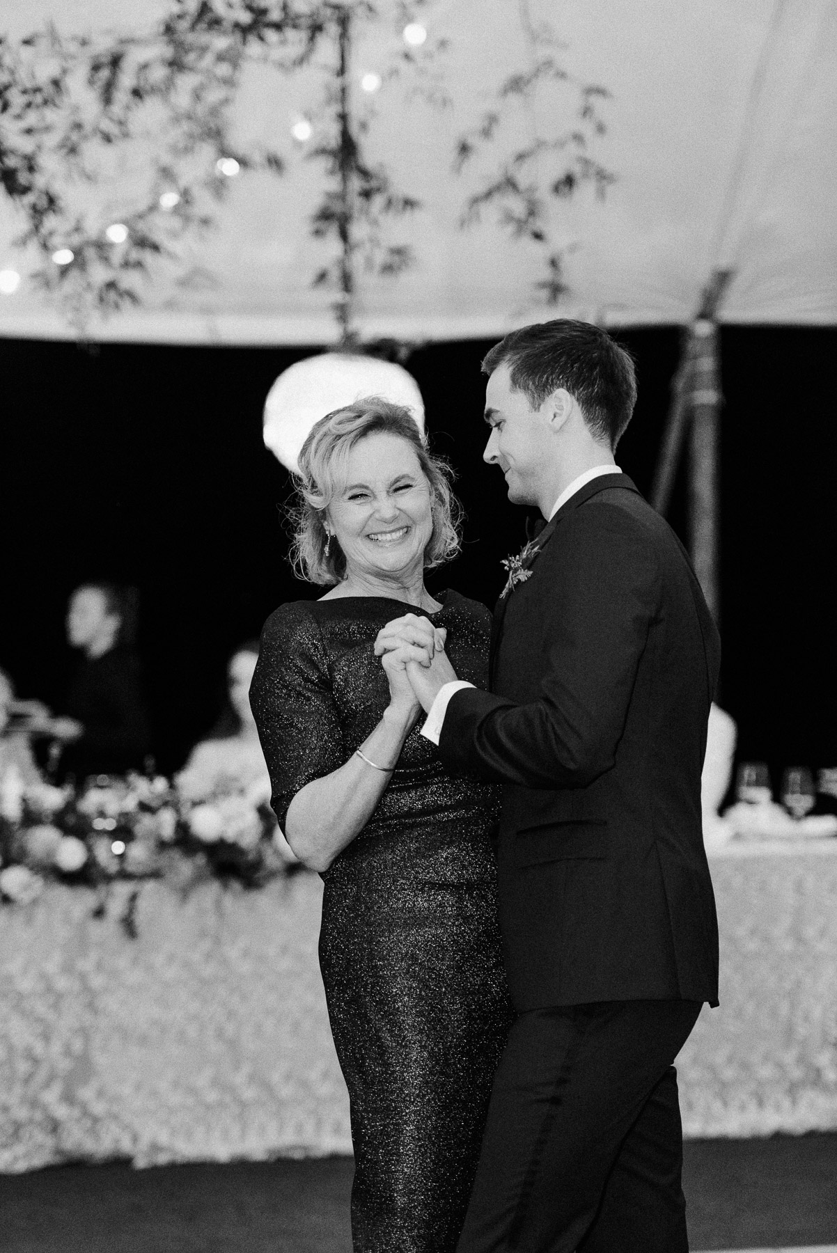 Private Island Upstate NY Wedding by Michelle Lange Photography-83.jpg
