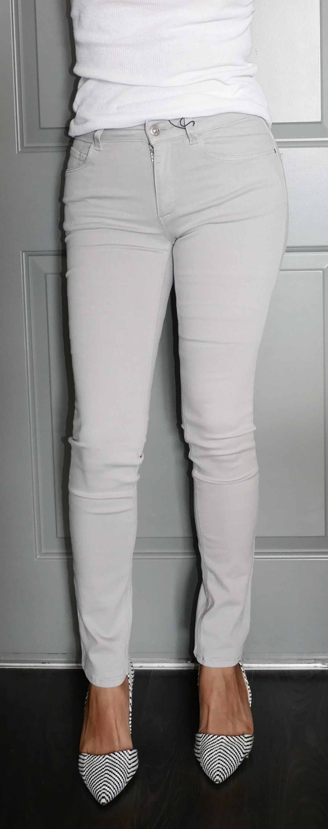 Skinny Mid-Rise Trousers from Zara