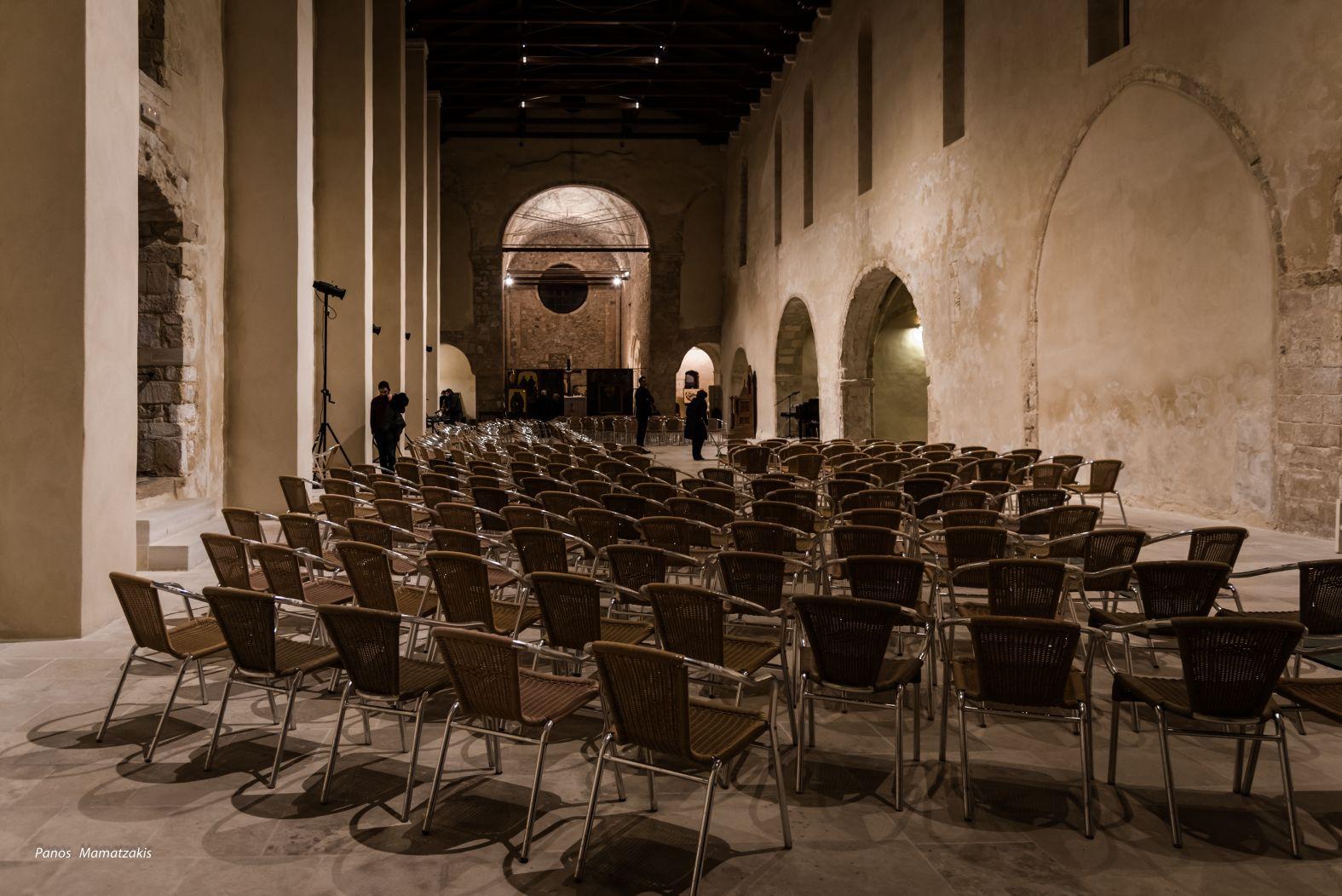 Inside -Ναός Αγίου Πέτρου Δομινικανών, St Peter's Heraklion, Crete