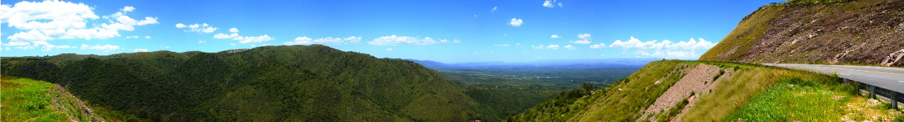 Another view of the valley. This is the official lookout point, but Iike the first one better