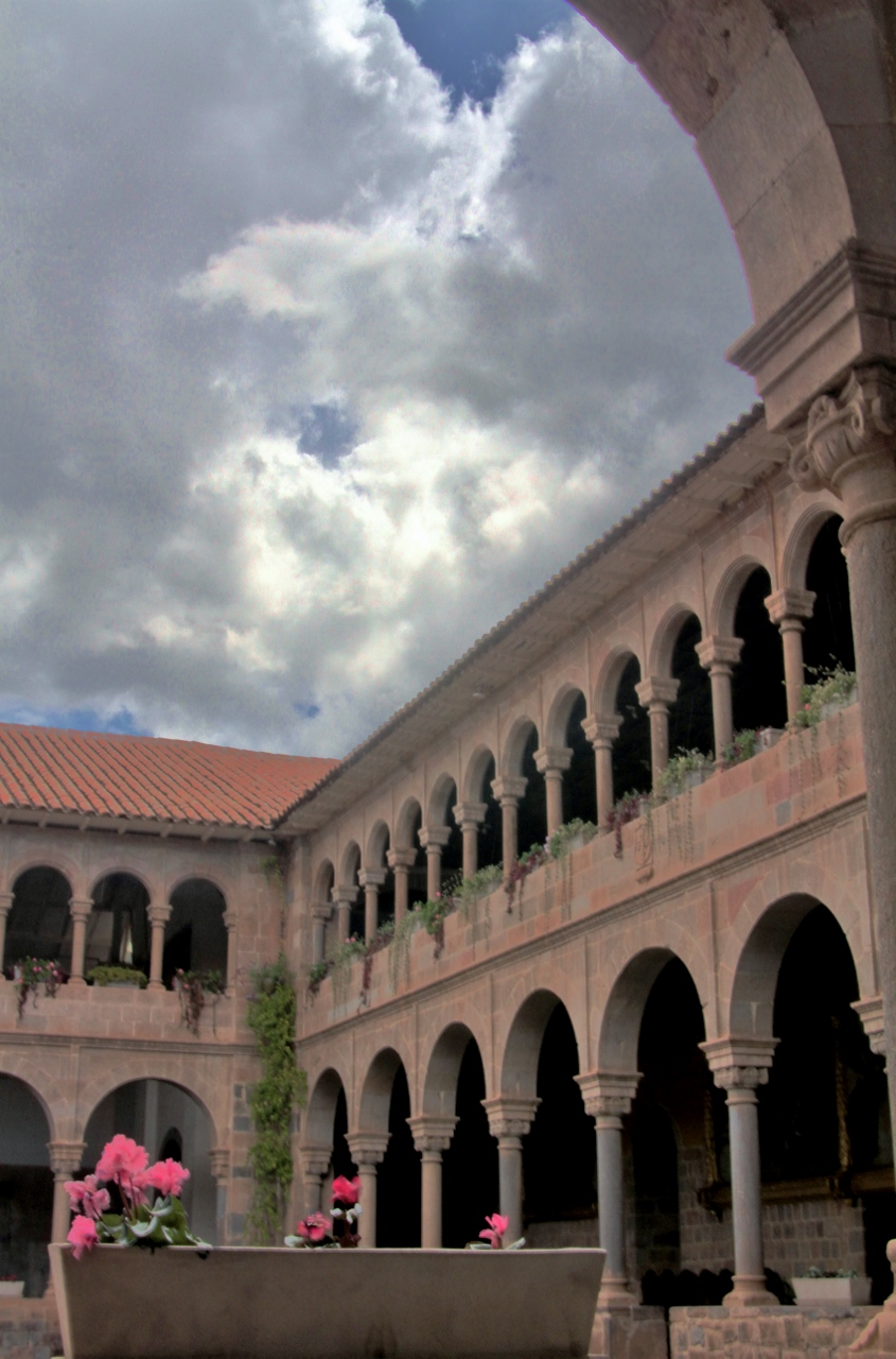 The Spanish style of the inner plaza of the Qorikancha