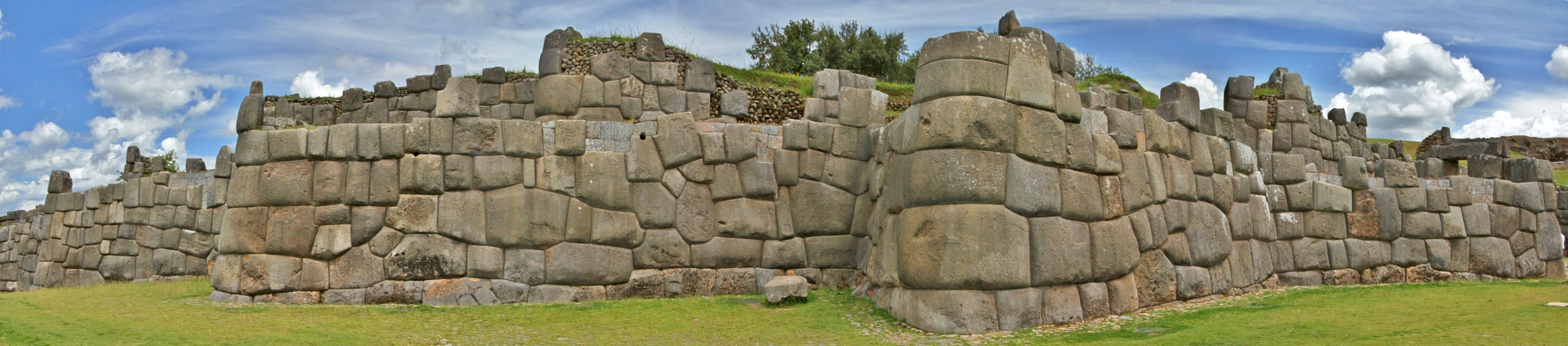The walls of Saksaywaman.   Click for full-size image