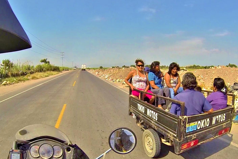 Mass transit in small town Perú