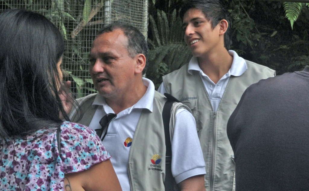 Meeting with the staff ofanother wildlife refuge with Ecuadorian government representatives