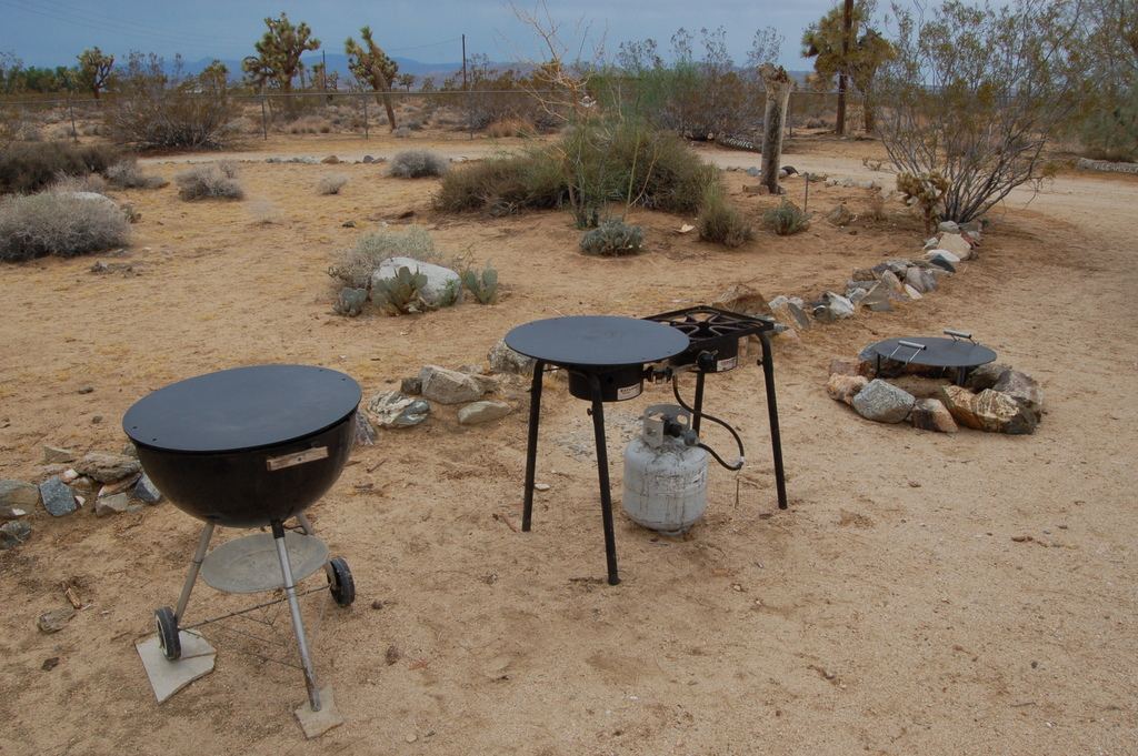 The Mojoe Griddle is specially designed for use on multiple heat sources including your campfire, high output propane stoves and Weber BBQs.