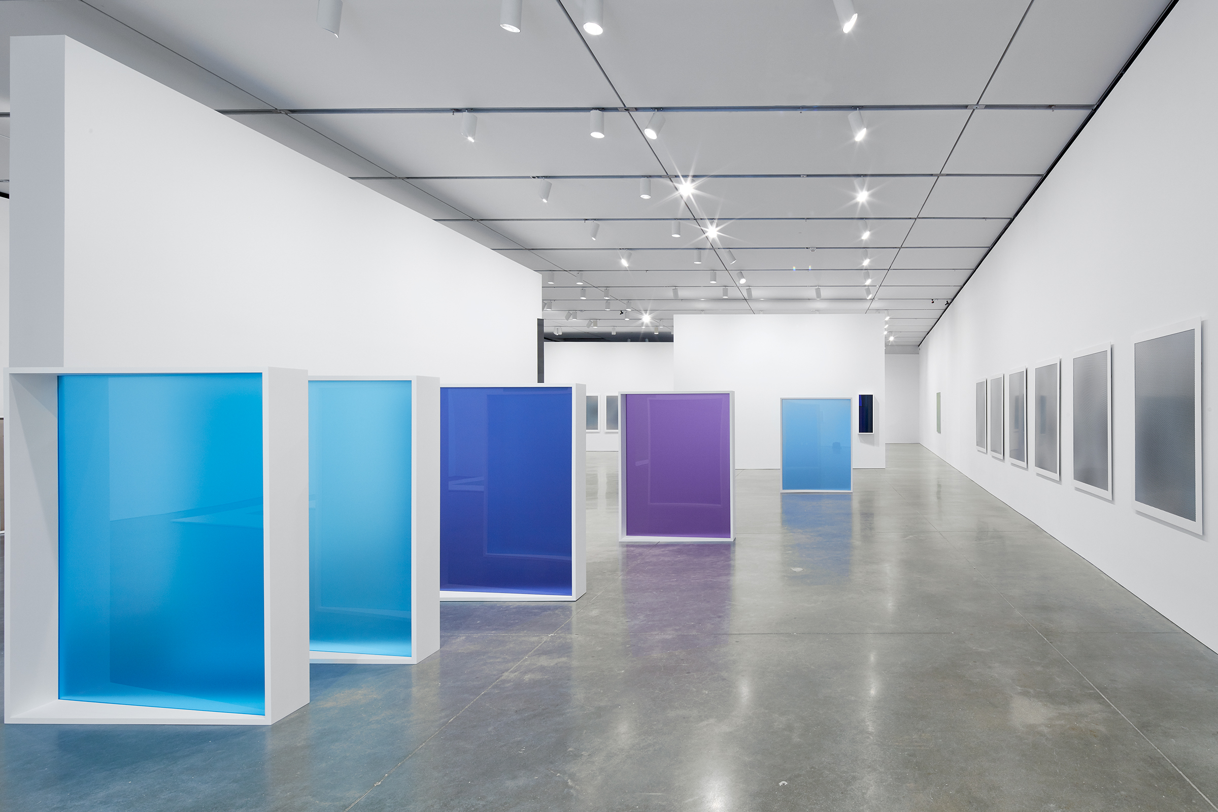 Gallery 4.1.1, 2015.Exhibition: Liz Deschenes, ICA Boston (June 29 - October 16, 2016). Photos courtesy the artist and Miguel Abreau Gallery, New York.