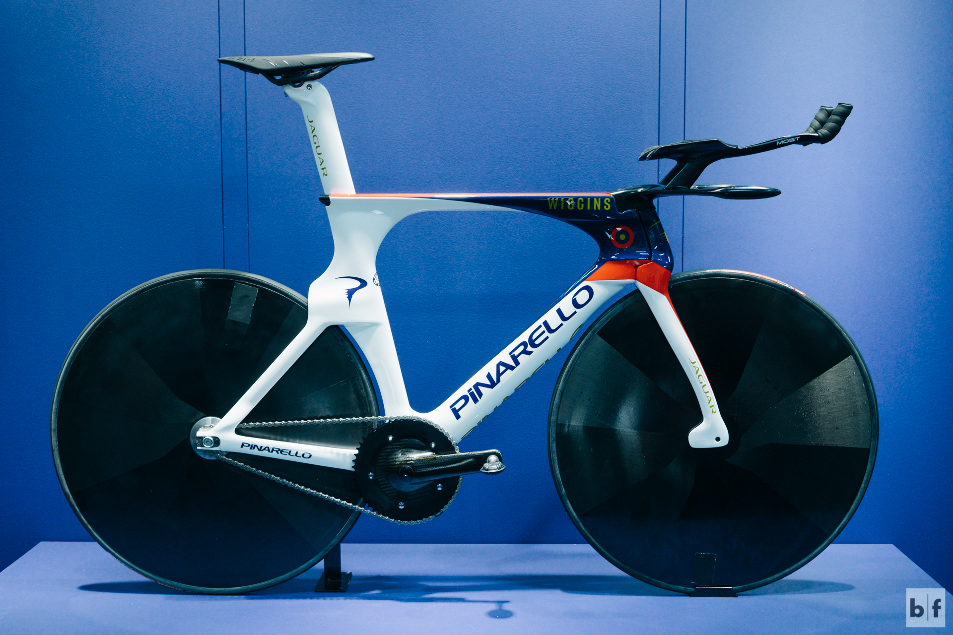 Wiggo's record smashing hour record bike. no picture does this bike justice. you HAVE to see it in person to appreciate all the details (of which there are MANY) the team put into designing this bike.