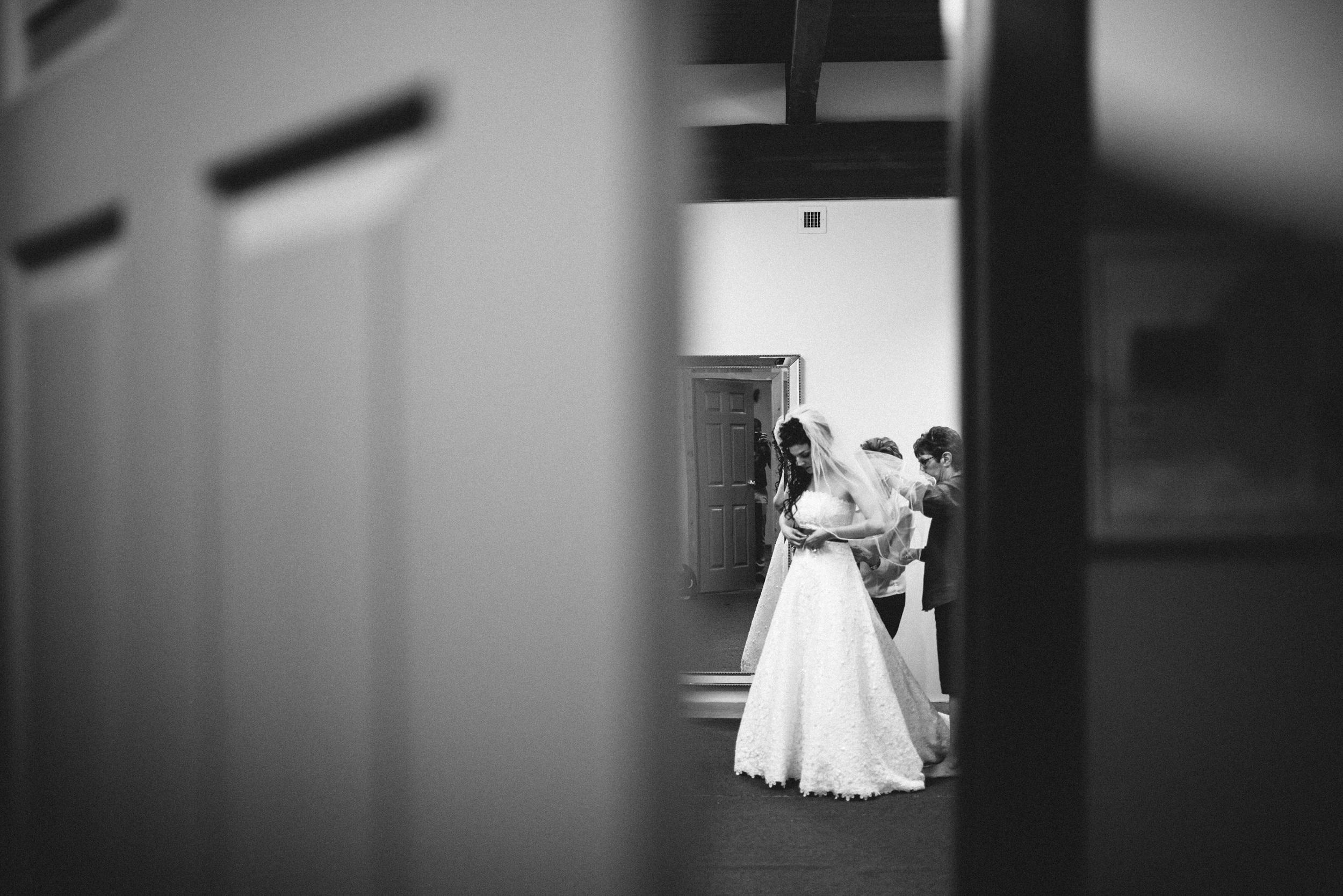 michael-rousseau-photography-kortwright-centre-wedding012.jpg