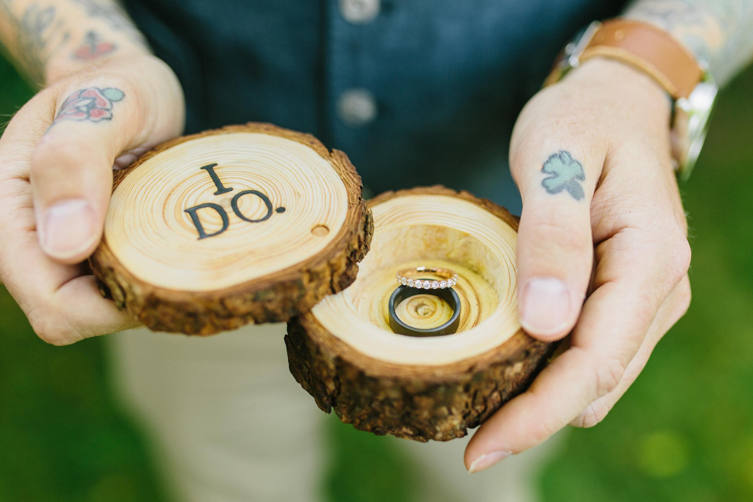 michael-rousseau-photography-shannae-ingleton-wedding-sean-craigleith-ski-club-wedding016.jpg