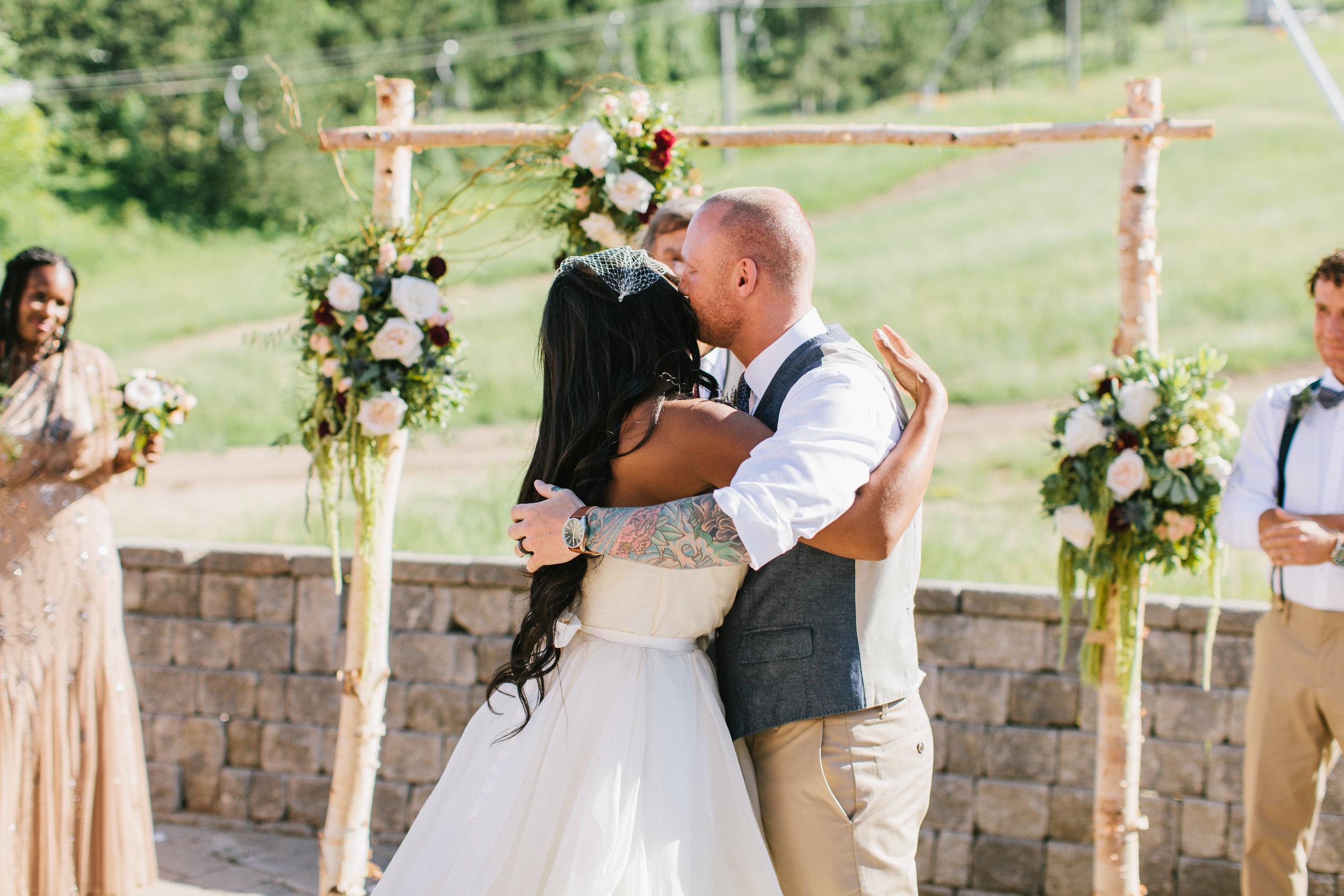 michael-rousseau-photography-shannae-ingleton-wedding-sean-craigleith-ski-club-wedding051.jpg