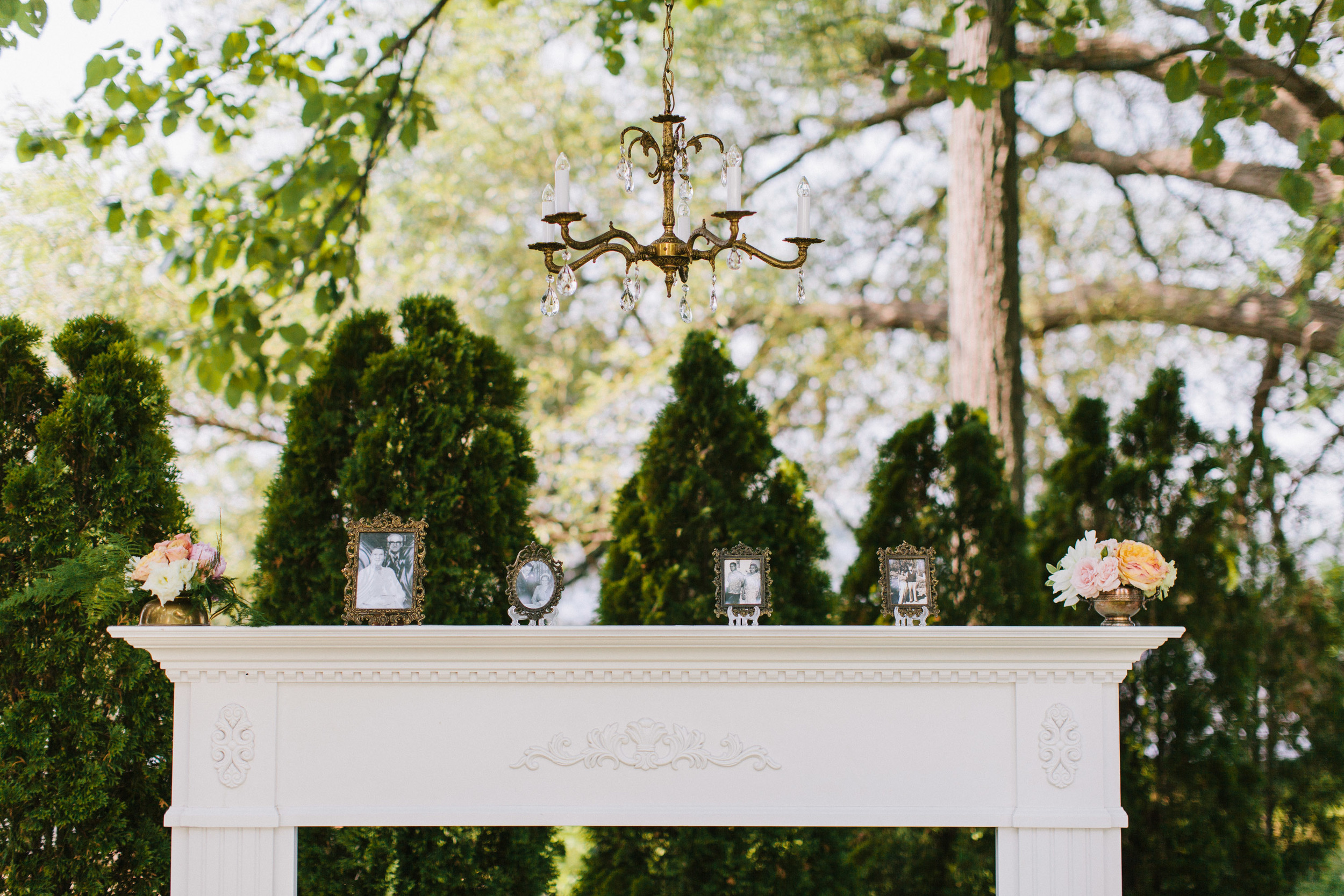 Bekki Draper - Ian - vintage - backyard-wedding-025.jpg