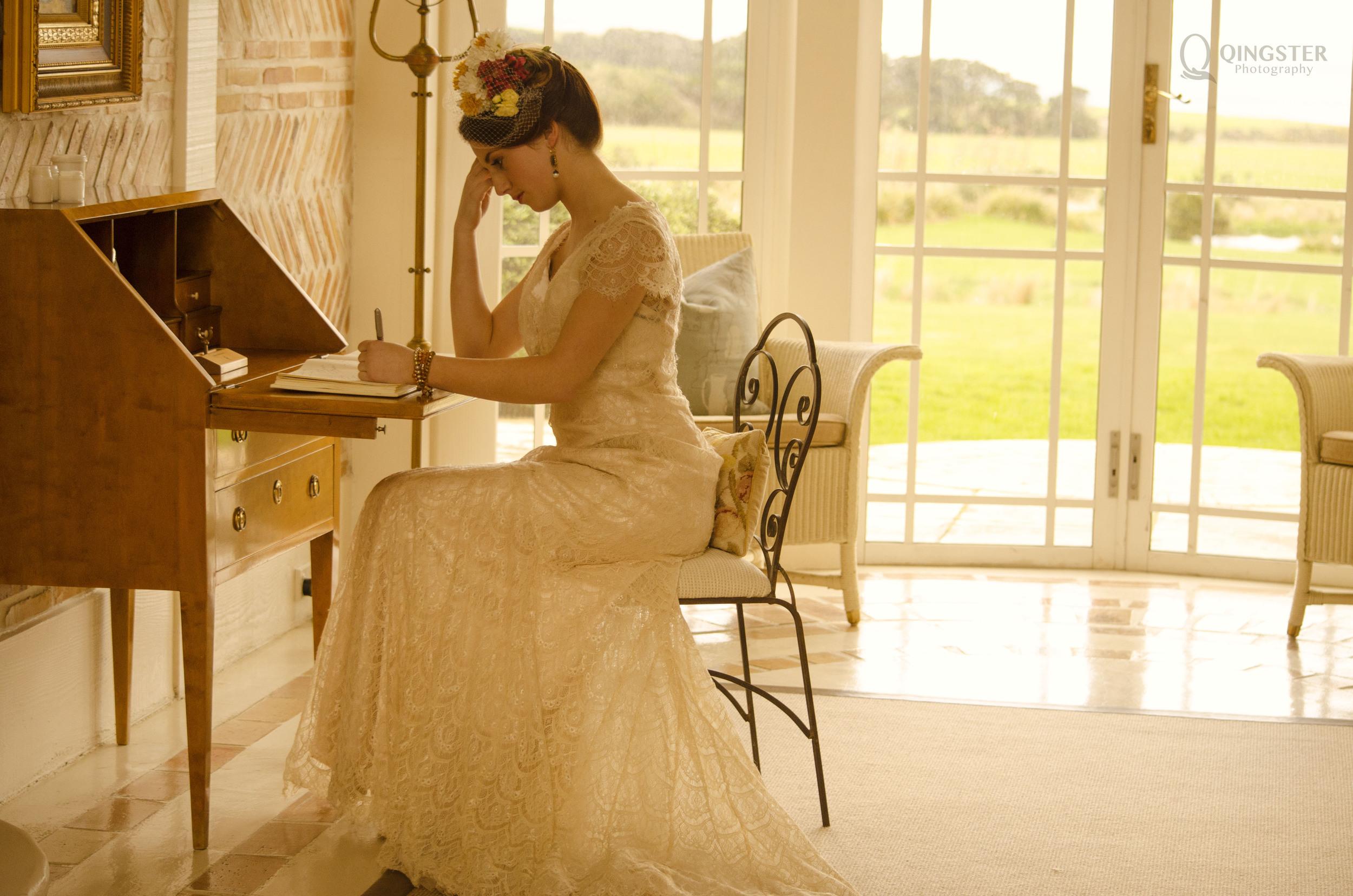 Edwardian  时代的家具,大量使用藤编材质,花草纹样也被广泛应用到各类家居产品之中。。。