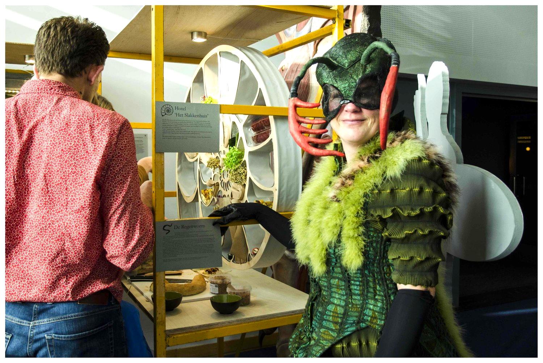 Verschillende acteurs liepen rond in de kostuums uit de film 'Erik of het Klein Insectenboek'