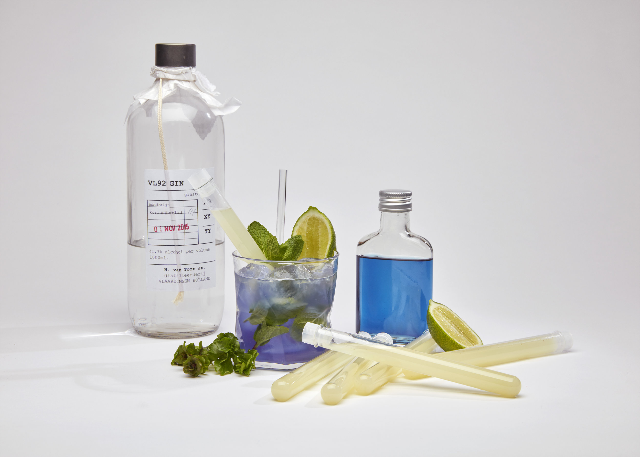 Ontwikkeling van de Blue Gin Fizz. Foto: Mathilde Karrèr Photography