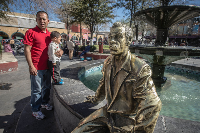 With violence dropping, Ciudad Juárez is beginning to see a return of visitors to the city and its attractions, including this statue of the famous Mexican comedian Tin-Tan, who began his career in the city. (Roberto E. Rosales/Albuquerque Journal)