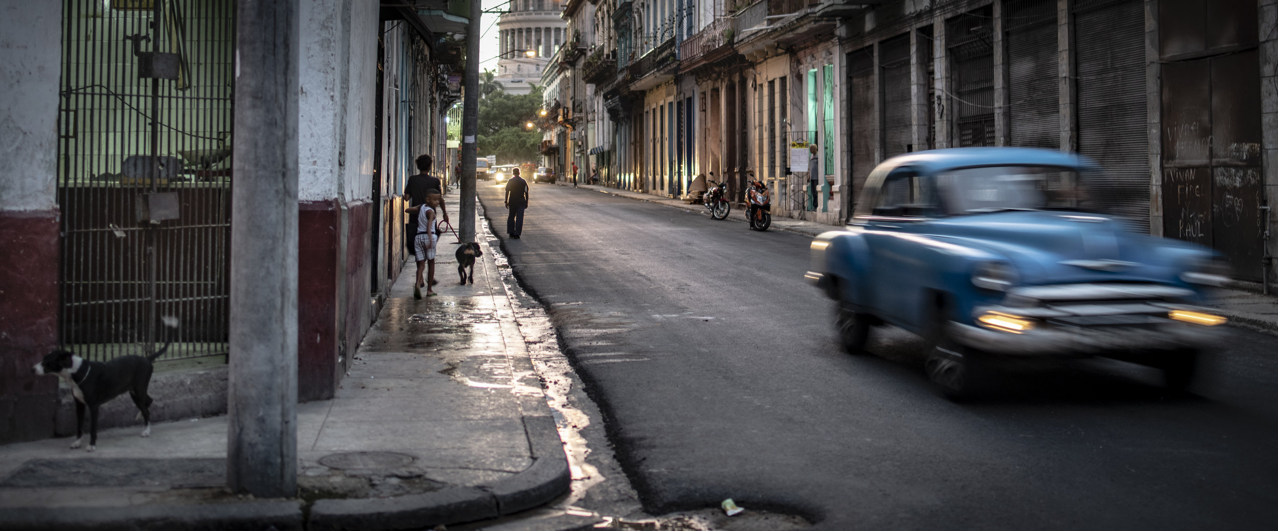 Broken leg.  Old Havana. July 2019